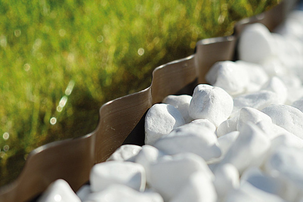 Obrzeże trawnikowe ogrodowe 15 cm x 9 m - brązowe